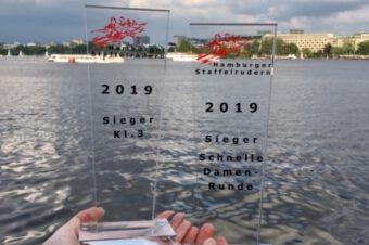 Blau und Rot in einem Boot: Das 30. Hamburger Staffelrudern